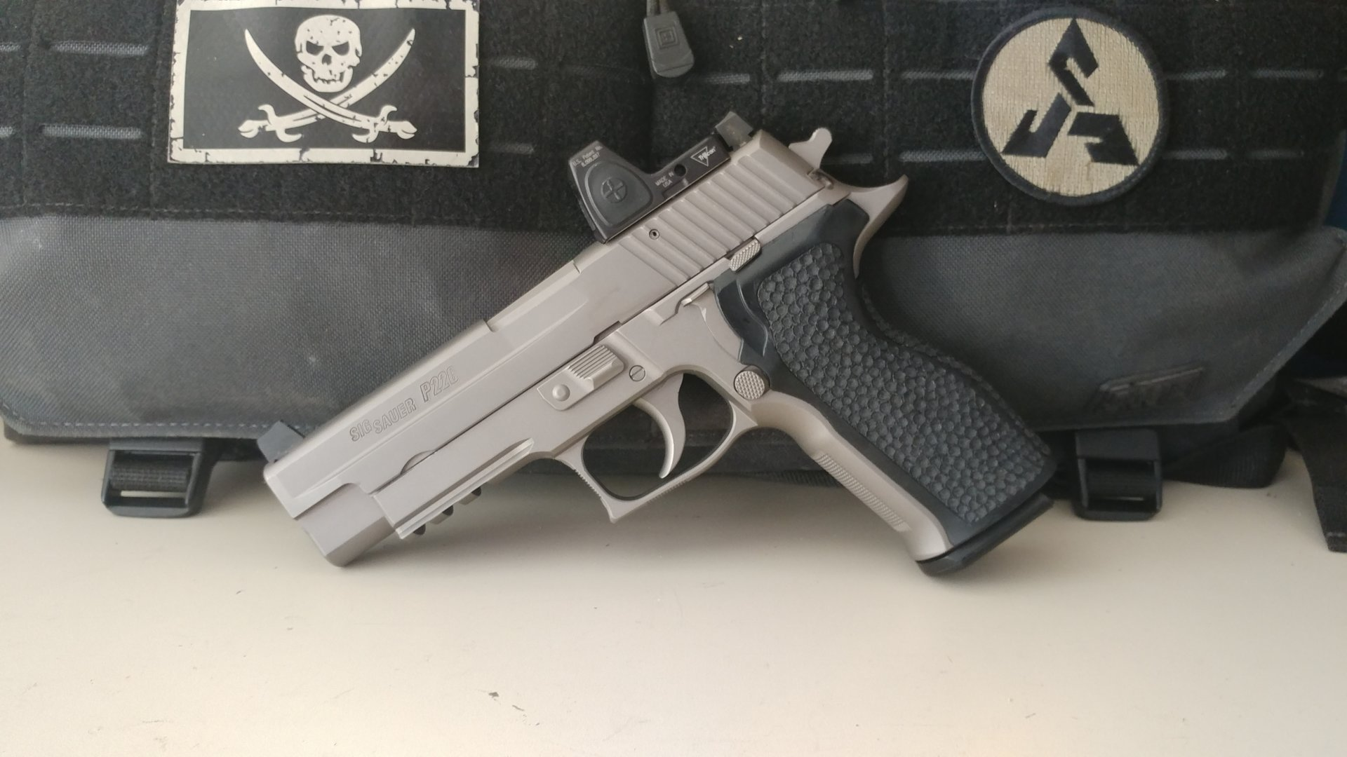 The SIG P226 Gunfighter Pistol - header image